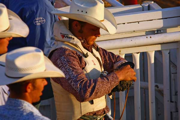 Oakley-rodeo-cowboy-getting