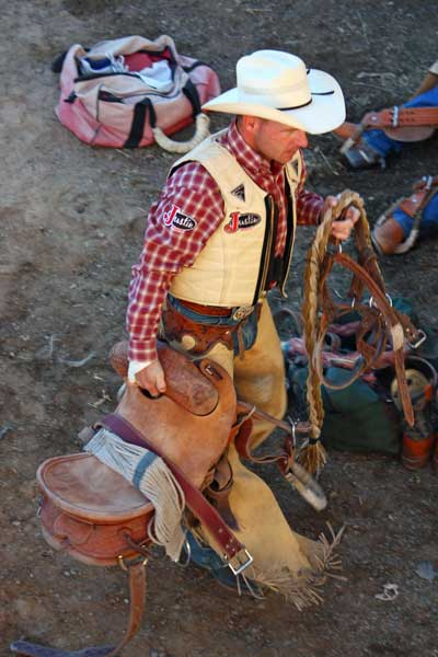 Oakley-rodeo-cowboy-saddle-