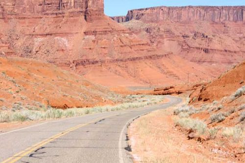 Moab-utah-mountains-2
