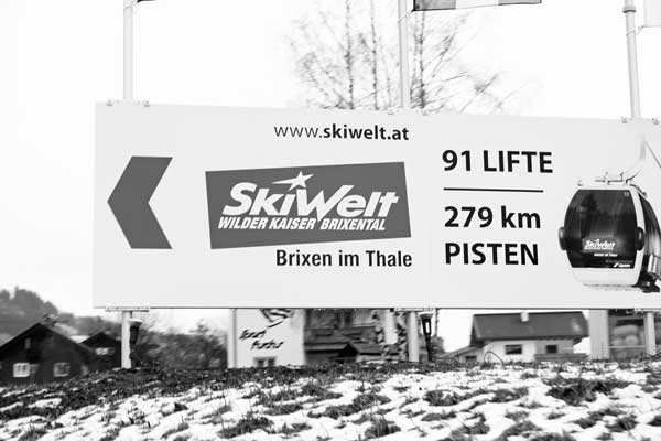 Ski-Welt-Austria-sign