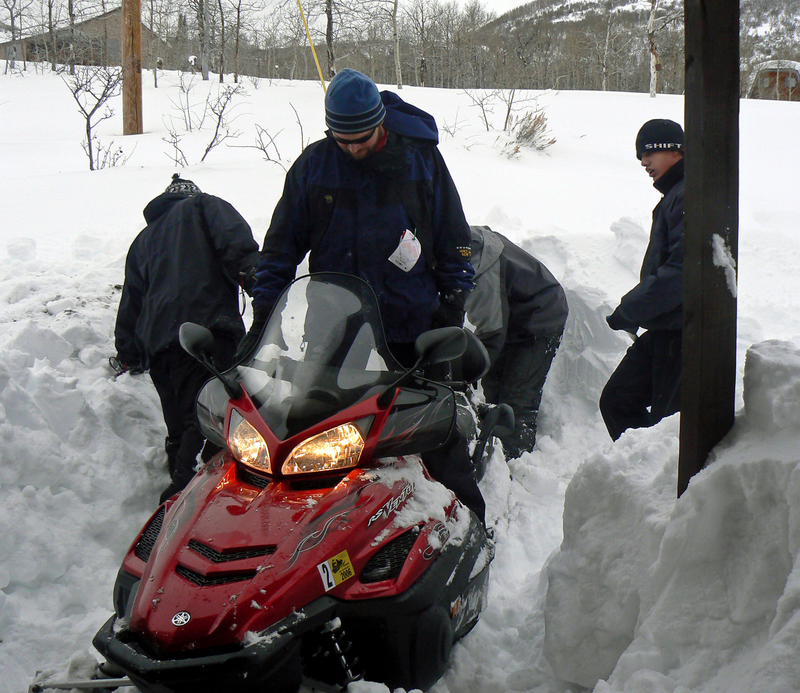 Snowmobile_boys