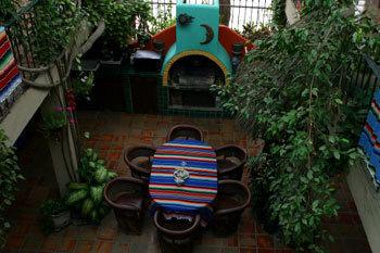 Down_courtyard